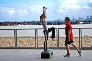 640px-Personal_Training_Overlooking_Melbourne